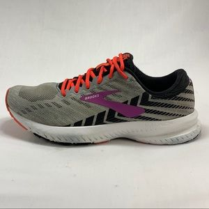Brooks Launch 6 Running Shoes - Gray & White